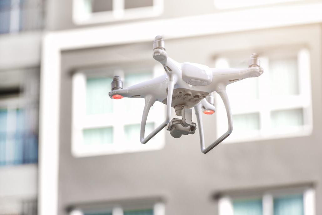Drone Phantom 4 pour le scanning 3D par photogrammétrieen toiture ou dans des endroits difficiles d'accès